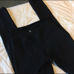 Lululemon Wunder Unders Size 2, (H1)! High rise!